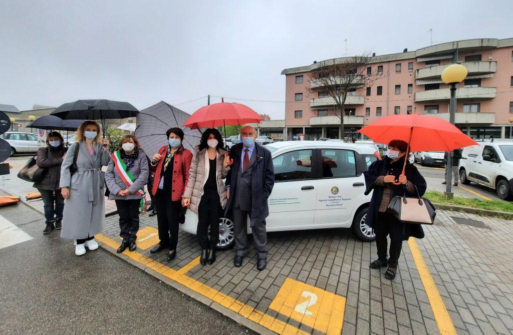 Ospedale di Vignola donazione auto Rotary in memoria di Giovanni Rossi